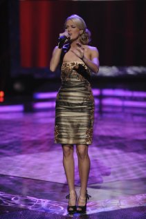 Watch Carrie Underwood: An All-Star Holiday Special