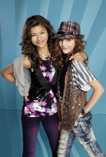 Watch Shake It Up Online