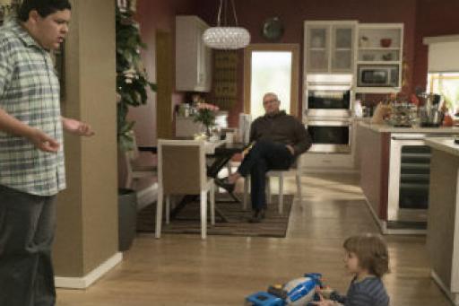 Modern Family S07E19