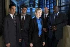 watch Cold Case S7E22 online