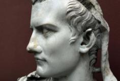 Caligula S01E01
