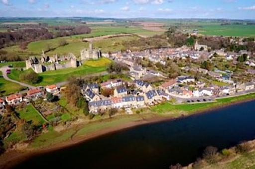 Pubs, Ponds and Power: The Story of the Village S01E06
