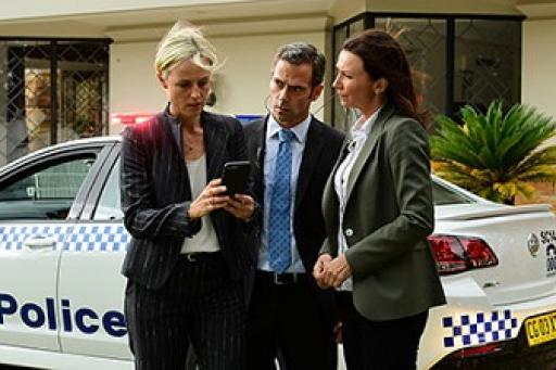 Janet King S03E08