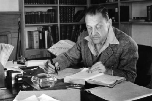 theatre maugham In theatre, w somerset maugham–the author of the classic novels of human  bondage and up at the villa–introduces us to julia lambert, a woman.